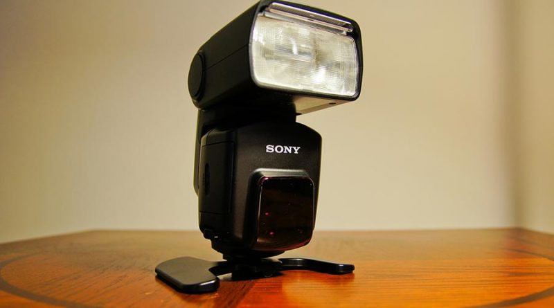 Dodatkowa lampa błyskowa jest używana w bardziej rozbudowanych zestawach.