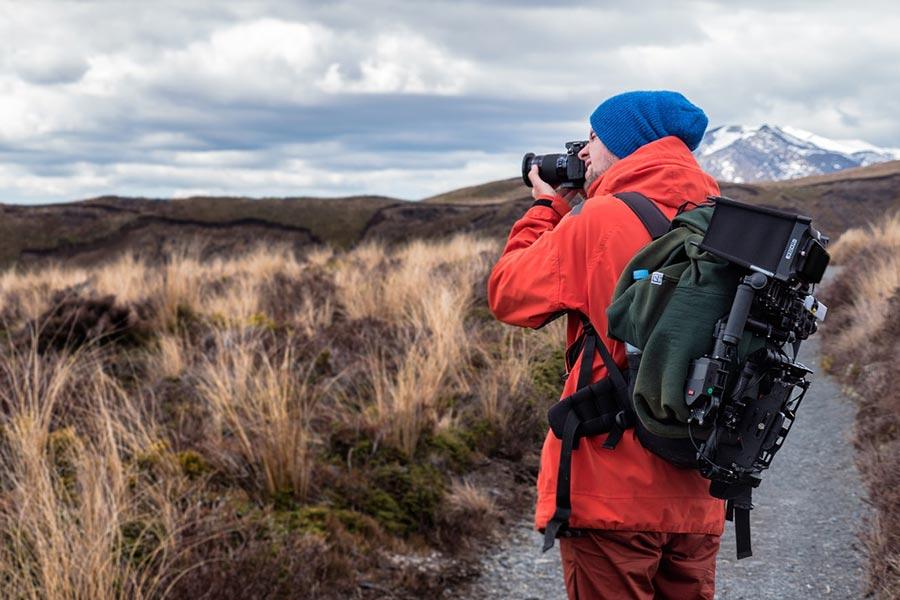 Wraz z rozwojem naszego ekwipunku fotograficznego warto zaopatrzyć się w specjalny plecak, dzięki któremu transportowanie sprzętu będzie wygodne oraz bezpieczne.